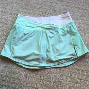 Lululemon mint short skirt.